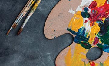 ilustracja przedstawiająca paletę malarską oraz pędzel